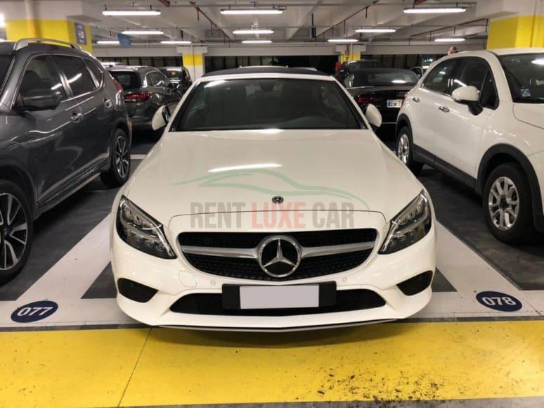 Noleggiare Mercedes Class C Cabrio a Napoli