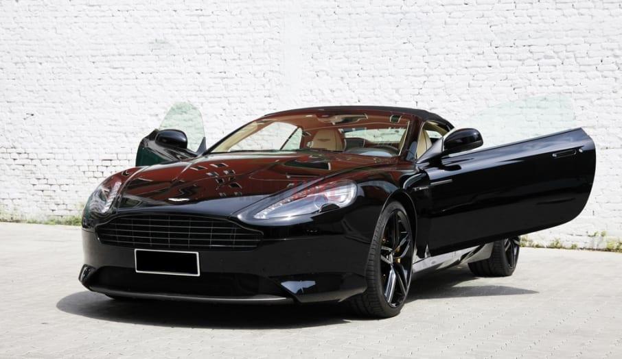 Rent Aston Martin DB9 in Valencia
