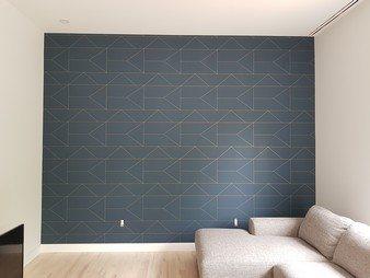 Des lignes dorées délicates créent un motif subtil, ajoutant une touche exclusive à votre style per photo 1