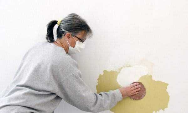 Repair a hole in the wall