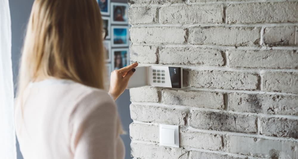 Home Security Systems: Everything You Need to Know - Updater