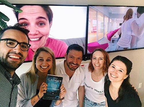 We had so much fun at last weeks book club! ✨We read #Neverwhere by @neilhimself ✨It was such a wonderful story and we had so much fun chatting about it! What should we read next?? #updater #updaterlife #nyctech #technyc #bookclub #officebookclub #workperk #joblove #unionsquare #summerinnyc