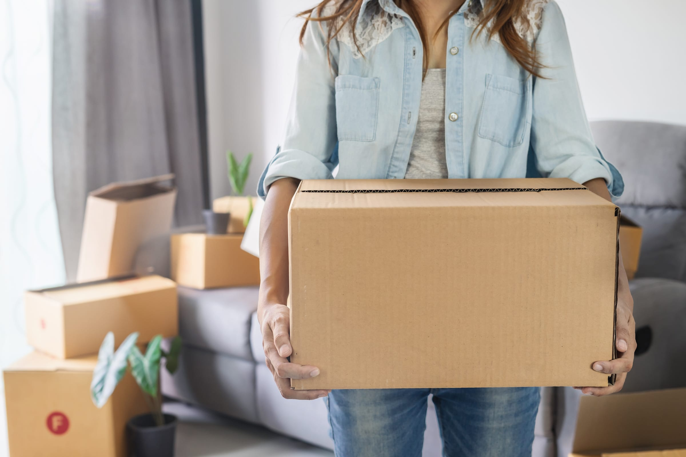 Moving Out For the First Time Checklist: Everything You Need