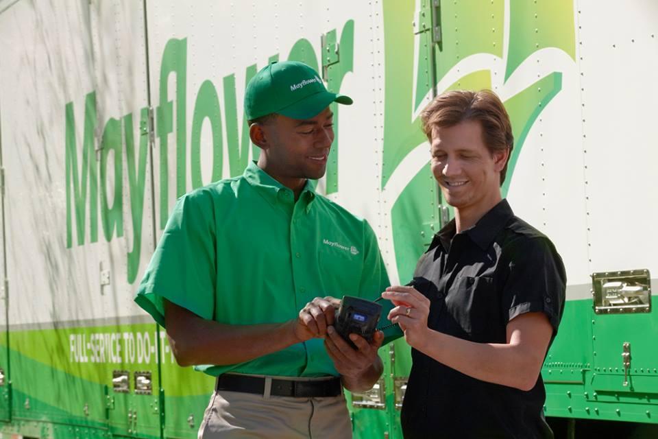 Updater Improves Customer Surveys for Nilson Van & Storage