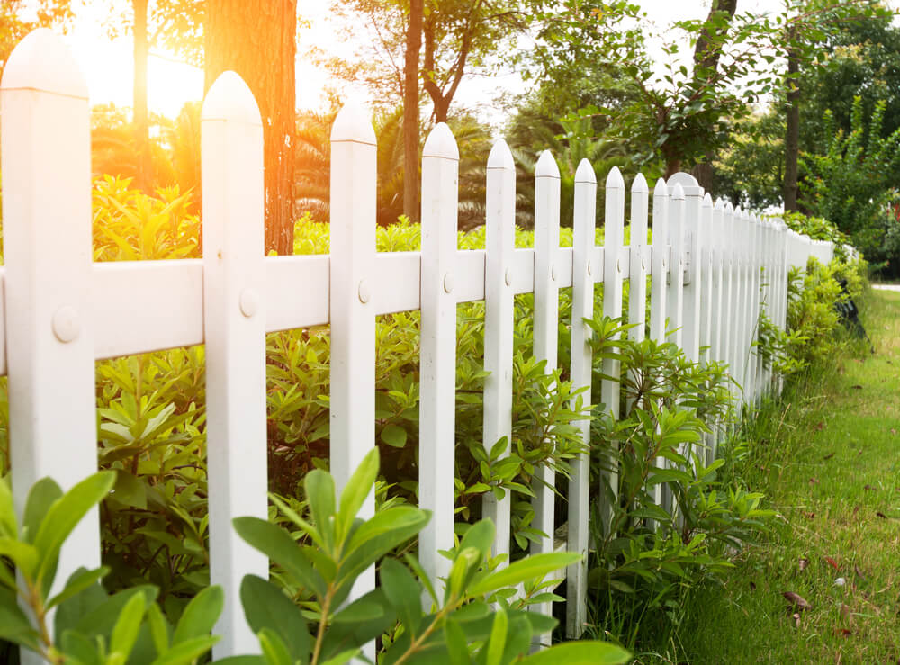 8 Secrets to Making Friends with the New Neighbors