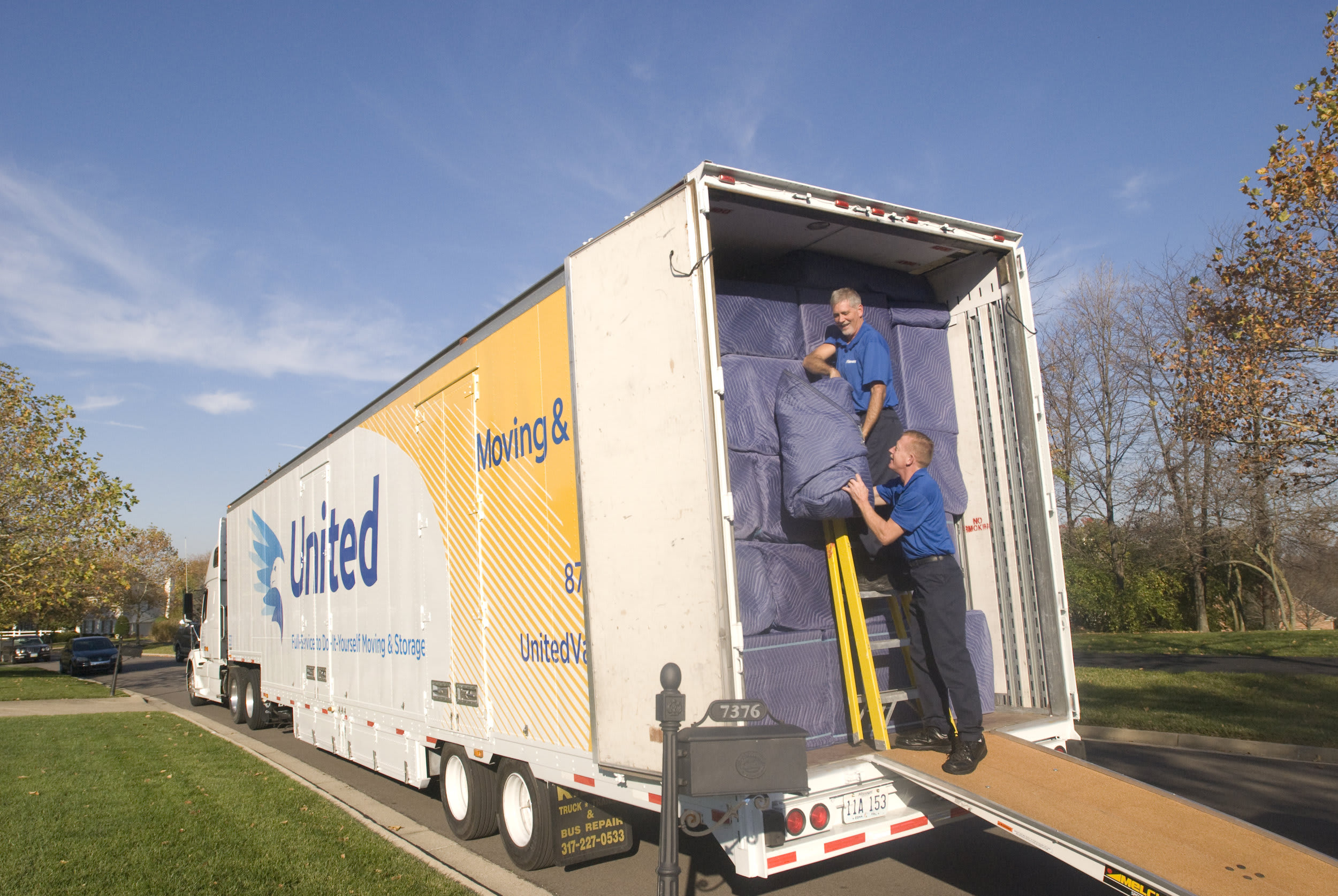 Pioneering Customer Service with Planes Moving and Storage