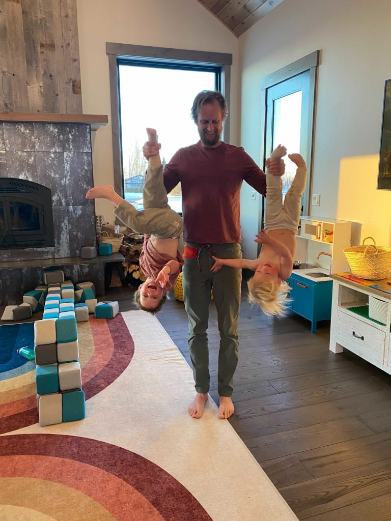 Kristian_Hansen_and_kids