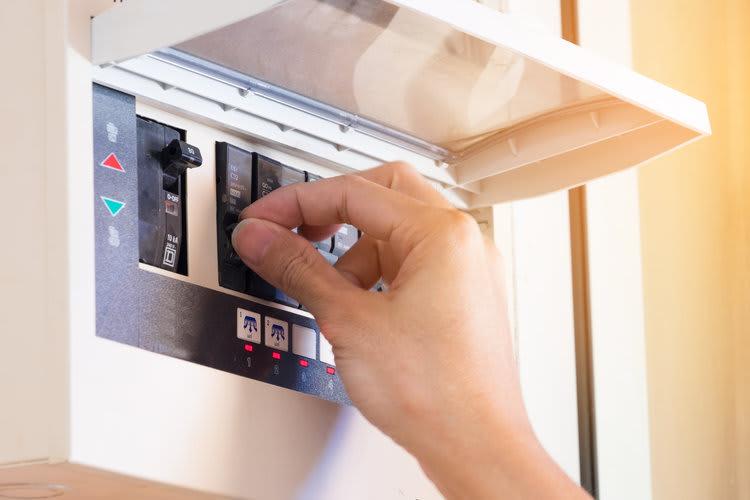 Circuit breaker new house checklist