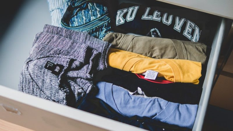 how to pack clothes