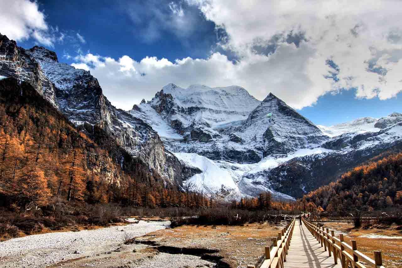 path to mountain