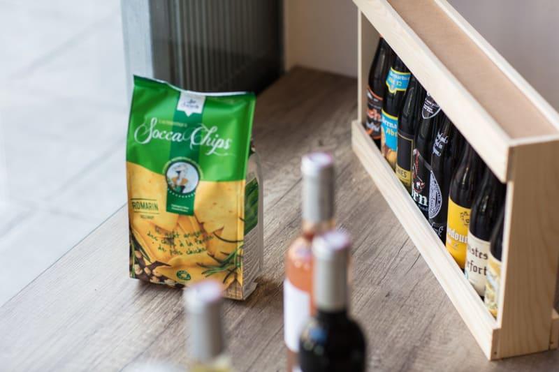Bières vins et snacks locaux