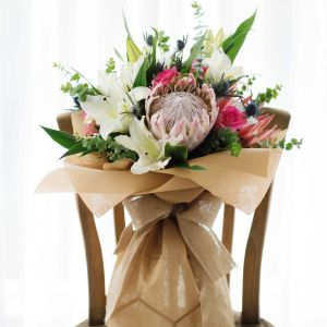 Huge Protea, Oriental Lily, Roses | Buy Flowers in Dubai UAE | Gifts | Cakes