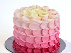 PETAL ombre icing | Buy Cakes Dubai