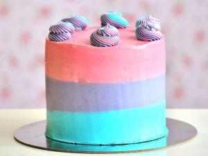 Top Swirl TRI-Colour Cake | Buy Cakes Dubai