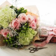 Grace   Premium pink Roses Hydrangea