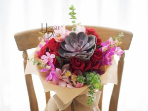 Premium red Roses, Mokara | Buy Flowers in Dubai UAE | Gifts | Cakes
