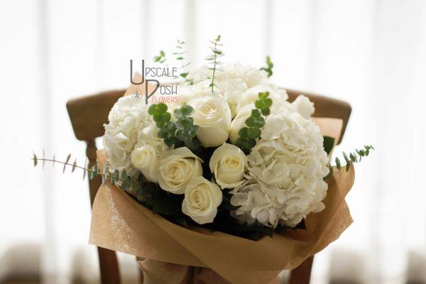 White Roses, Hydrangea   Buy Flowers in Dubai   Gifts   Cakes