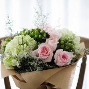 Premium pink Roses Hydrangea   Buy Flowers in Dubai UAE   Gifts   Cakes