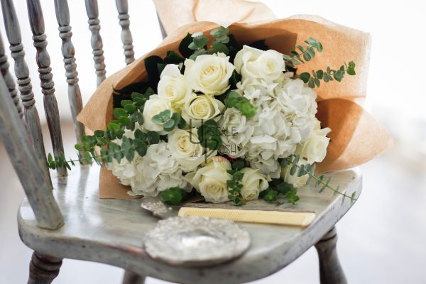 White Roses, Hydrangea   Buy Flowers in Dubai UAE   Gifts