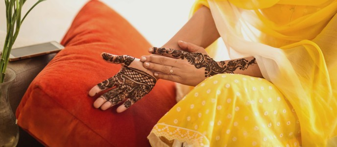 Best Bridal Mehendi Artists for your Wedding in Noida