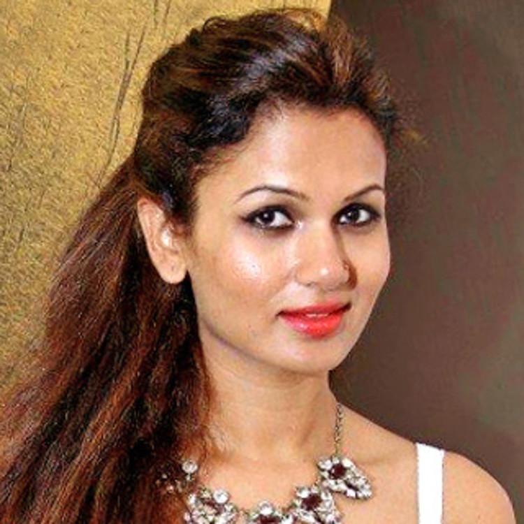 Nishi Singh celebrity makeup artist's image