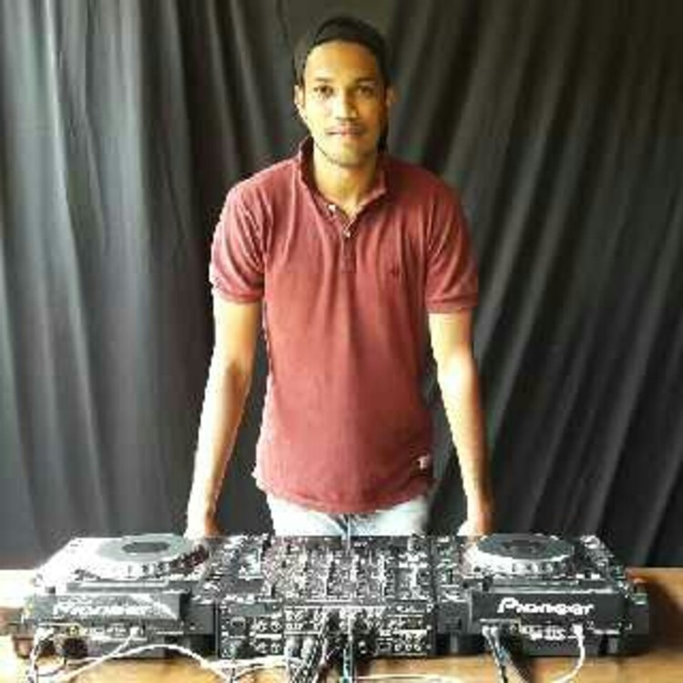 DJ Vinayak Dambe's image