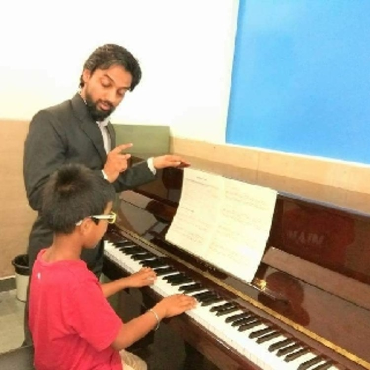 Manish Babu Music Classes's image