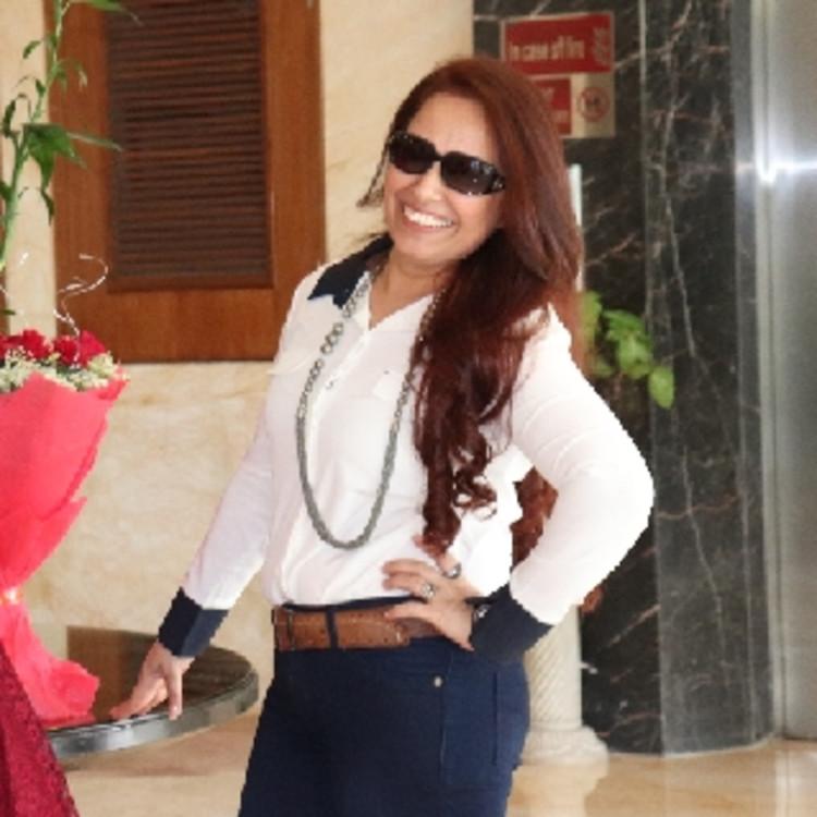 Simran Khanna's image
