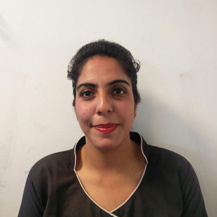 Sneha Khanna's image