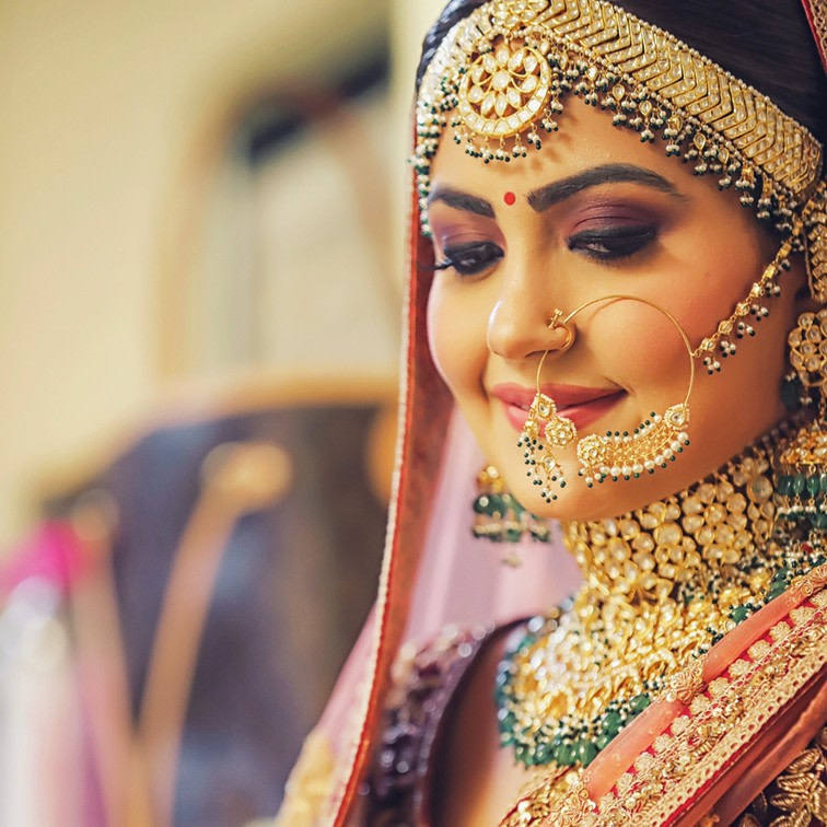 Rajasthani Heavily Embellished Bridal Jewellery by Kabeer Grover Wedding-photography Bridal-jewellery-and-accessories Bridal-makeup | Weddings Photos & Ideas