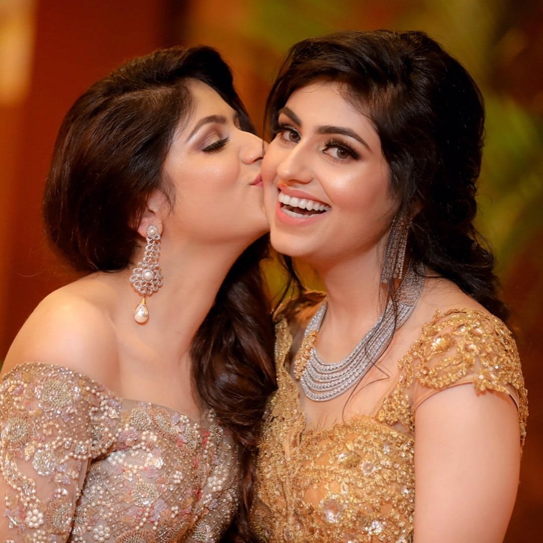 Highlighted Makeup And Diamond Jewellery Of Bride And Bridesmaid by Kabeer Grover Wedding-photography Bridal-jewellery-and-accessories Bridal-makeup | Weddings Photos & Ideas