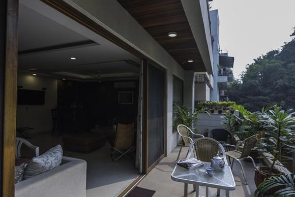Balcony by Vijay Kapur Designs Open-spaces Contemporary | Interior Design Photos & Ideas