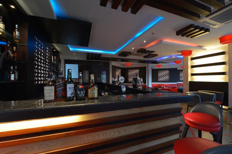 Classic Cafe by Vijay Kapur Designs Contemporary | Interior Design Photos & Ideas