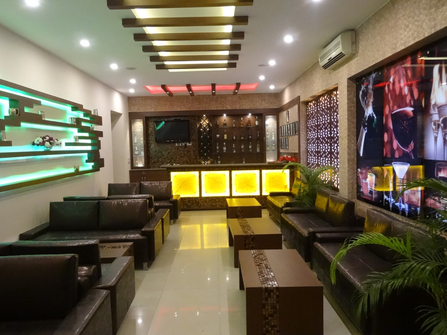 Shades Of Coffee! by Vijay Kapur Designs Modern | Interior Design Photos & Ideas