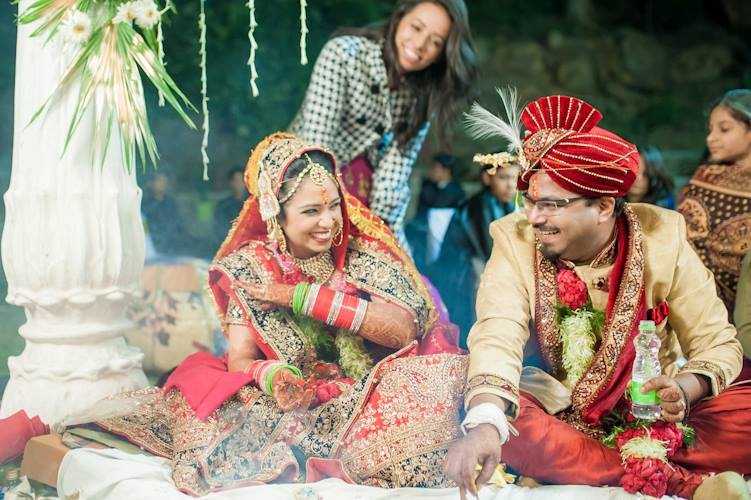 Cheerful Bride and Groom ! by Aviral Panthri Wedding-photography Groom-wear-and-accessories | Weddings Photos & Ideas
