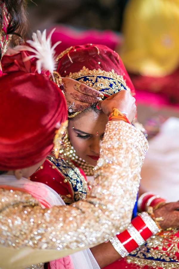 Wedding Portrait Of The Couple by Aviral Panthri Wedding-photography | Weddings Photos & Ideas