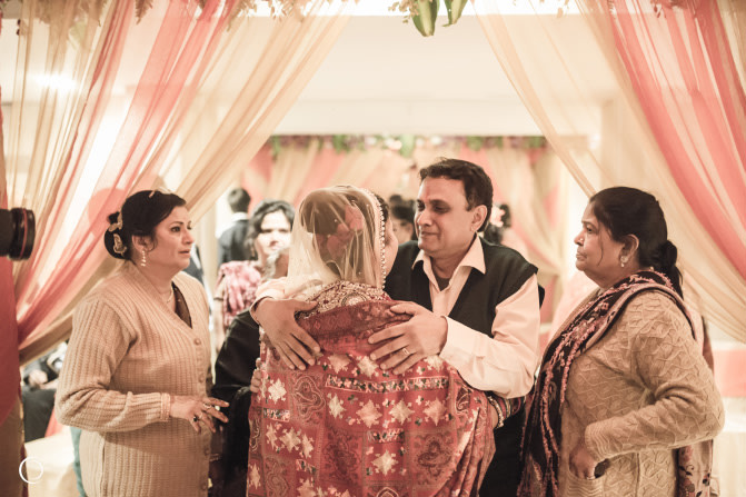 Bride With Family by Amish Photography Wedding-photography | Weddings Photos & Ideas