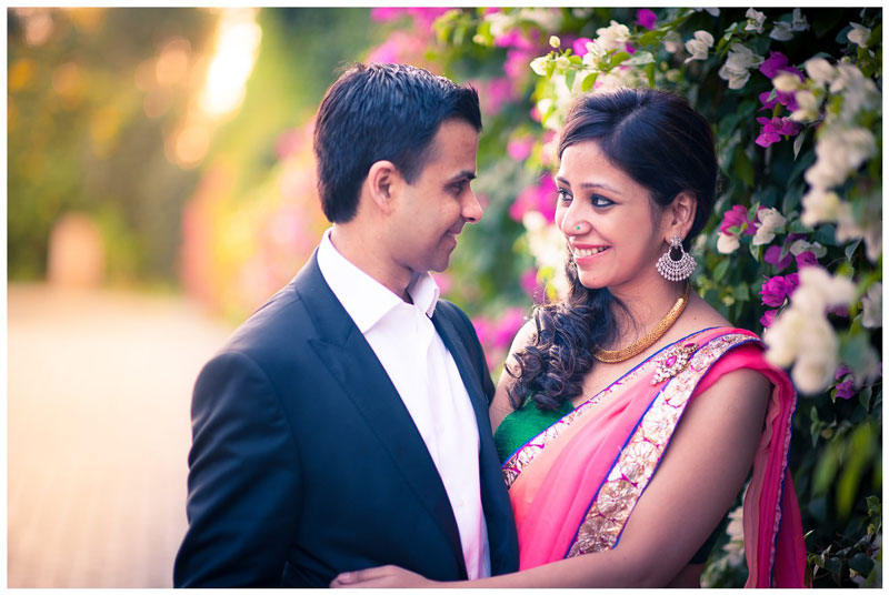 Couple Portrait On Sangeet day by Arjun Kartha Bridal-makeup Bridal-jewellery-and-accessories | Weddings Photos & Ideas