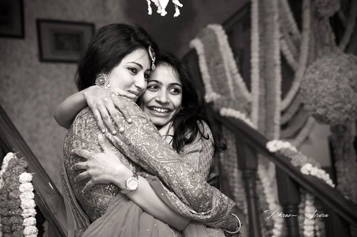 Bride With Her Sister On Sangeet Day by Vikram Arora Wedding-photography | Weddings Photos & Ideas