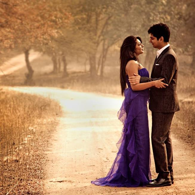 Pre Wedding Shoot In A Beautiful Location by Vikram Arora Wedding-photography | Weddings Photos & Ideas
