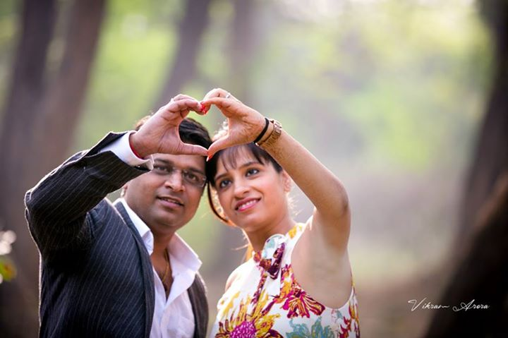 Simple Pre Wedding Shot by Vikram Arora Wedding-photography | Weddings Photos & Ideas