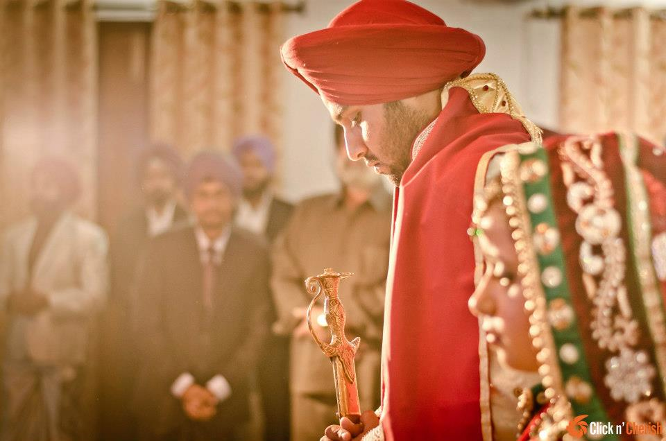 Red Turban by Dushyantha Kumar C Wedding-photography | Weddings Photos & Ideas