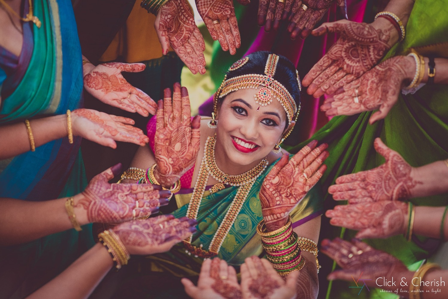 Beautiful hands Enriched With Colours Of Mehendi by Dushyantha Kumar C Wedding-photography Bridal-mehendi Bridal-jewellery-and-accessories | Weddings Photos & Ideas