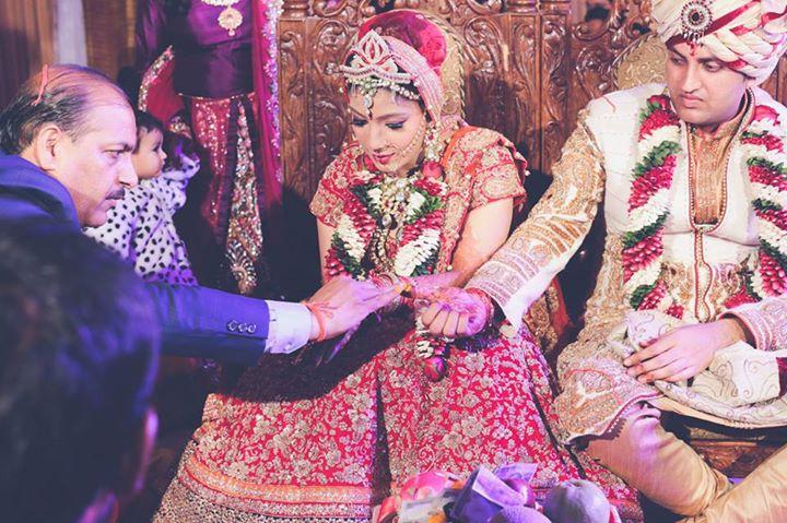 Eternal Bond Of The Couple! by Arjun Mahajan Wedding-photography Groom-wear-and-accessories | Weddings Photos & Ideas
