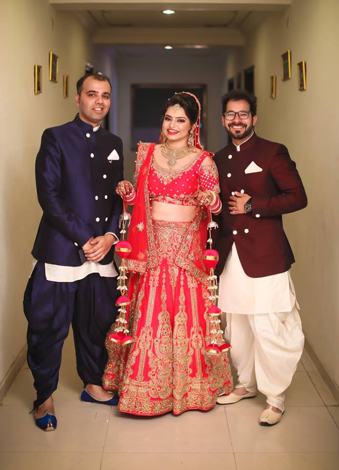 Bride Wearing Red Lehenga With Gold Work by Arjun Mahajan Wedding-photography Wedding-dresses | Weddings Photos & Ideas