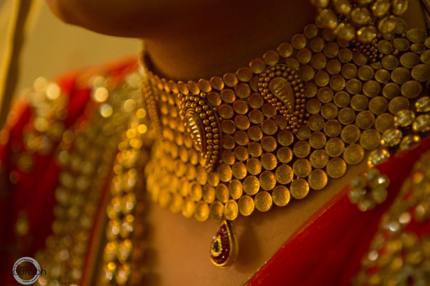 Stunning Gold Bridal Jewellery by Saurabh Bridal-jewellery-and-accessories | Weddings Photos & Ideas