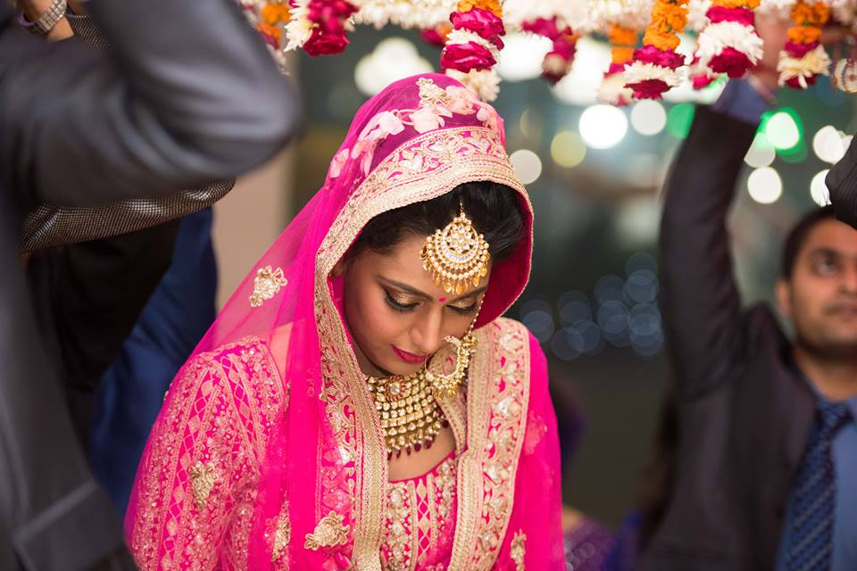 Bride Wearing Exquisite Gold Jewellery! by Saurabh Wedding-photography Bridal-jewellery-and-accessories Bridal-makeup | Weddings Photos & Ideas