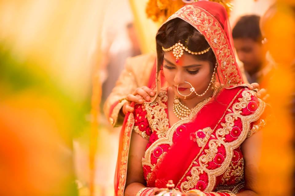 Graceful Gaze Of The Bride! by Saurabh Wedding-photography Bridal-jewellery-and-accessories | Weddings Photos & Ideas