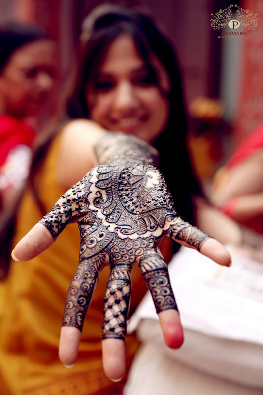 Classic Mehndi by Rajan Parmar Wedding-photography | Weddings Photos & Ideas