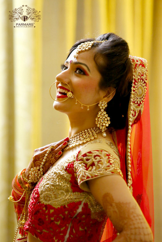 Bride Wearing Polki Kundan Set! by Rajan Parmar Bridal-makeup Bridal-jewellery-and-accessories | Weddings Photos & Ideas